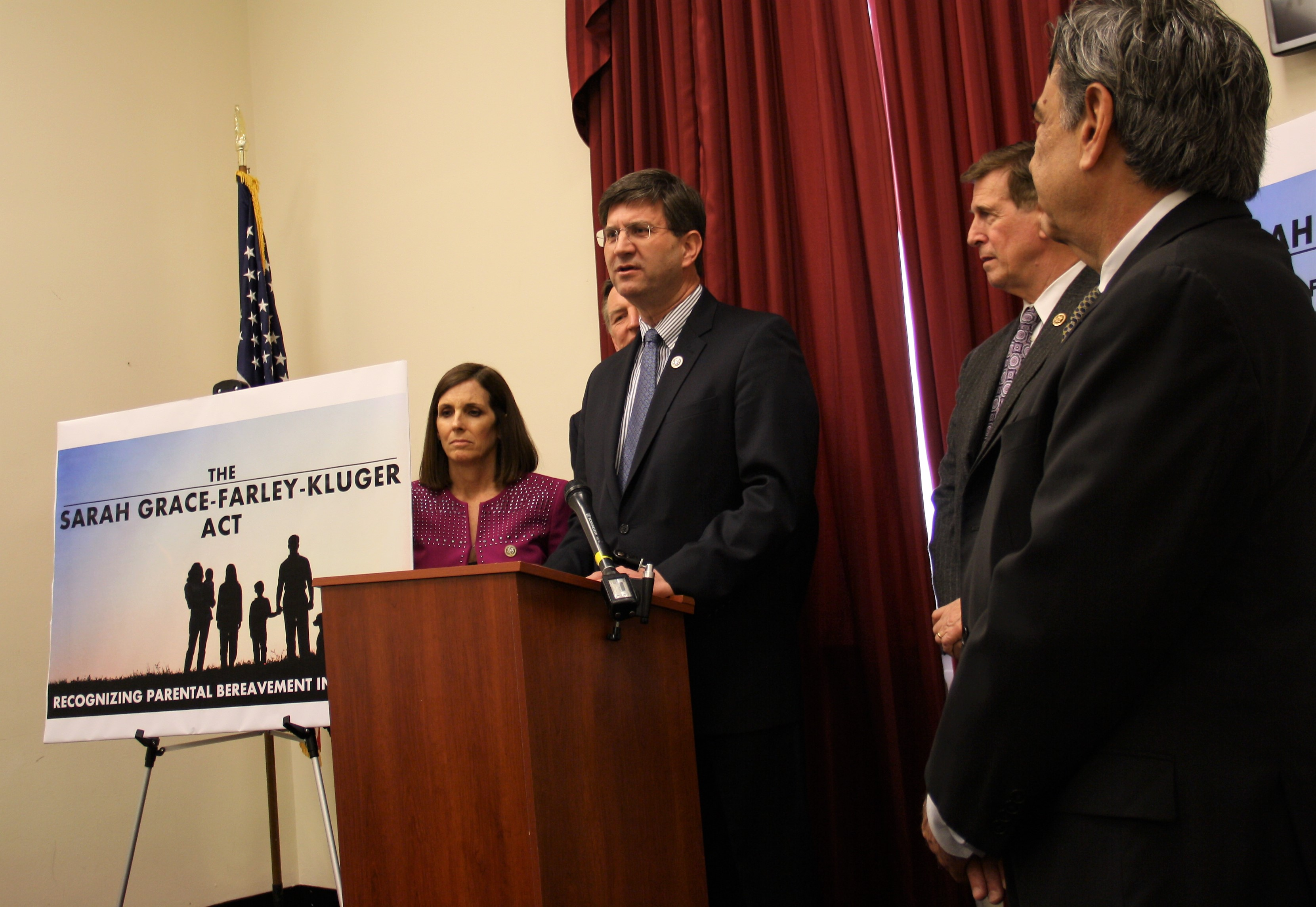Parents Really Need Time Off When Their >> Rep Schneider Joins In Introducing Bipartisan Bill To Give Parents